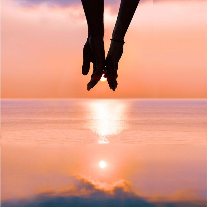 Solnedgång par vid horisont