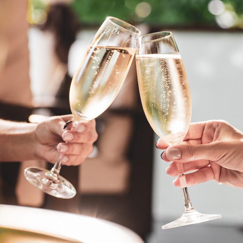 Skålar i champagne