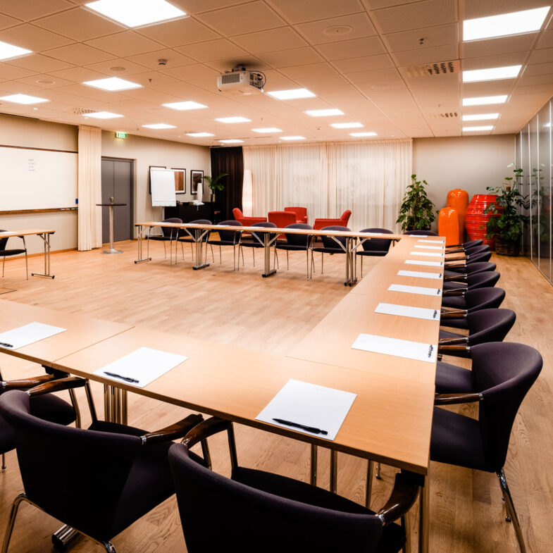 U-bordssittning på Hotel Skansen. Konferenslokal Båstad